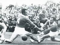 Jon Herwig Carlsen (nr. 4) i finalekampen i NM i håndball 1962 mellom Grønland og Elverum