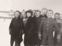 Jordal ca. 1944. Walter med skinnlua