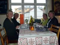 Annemor (nr 2 fra høyre) på Bistroen (2008)