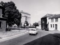 Bak kirken (1968)