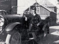 Henrik Konrad Hansen - Hølandsgata 47 (1889-1959). 4 sønner: tvillingene Olaf og Sverre og tvillingene Rolf og Iver Durban