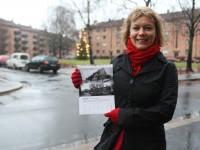 Ragnhild Hoel med neste års kalender (2009)