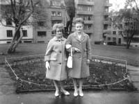 Ella og Gerd Eriksen i Kampen park (1964)