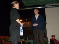Karsten Alnæs takkes etter møtet (2010)