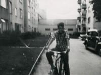 Lasse Solberg på sykkel (1957)
