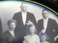 Johan Ness Holm med familie (1948)